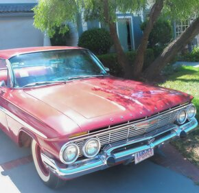 1961 Chevrolet Impala Sedan for sale 101280569