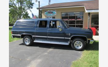 1988 Chevrolet Suburban 2WD for sale 101213278