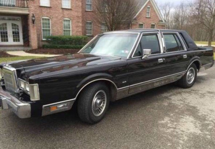 1988 Lincoln Town Car Signature For Sale Near Woodland Hills