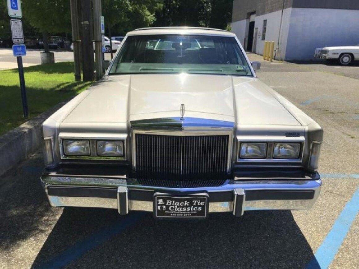 1988 Lincoln Town Car For Sale Near Riverhead New York 11901