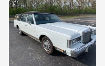 1988 Lincoln Town Car Signature for sale 101490948