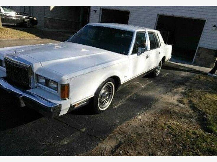 1989 Lincoln Town Car For Sale Near Woodland Hills California 91364