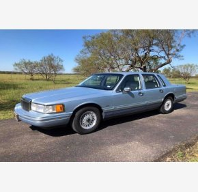 Lincoln Town Car Classics For Sale Classics On Autotrader