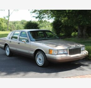 1992 Lincoln Town Car Signature for sale 101189297