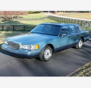 1993 Lincoln Town Car Signature for sale 101189308