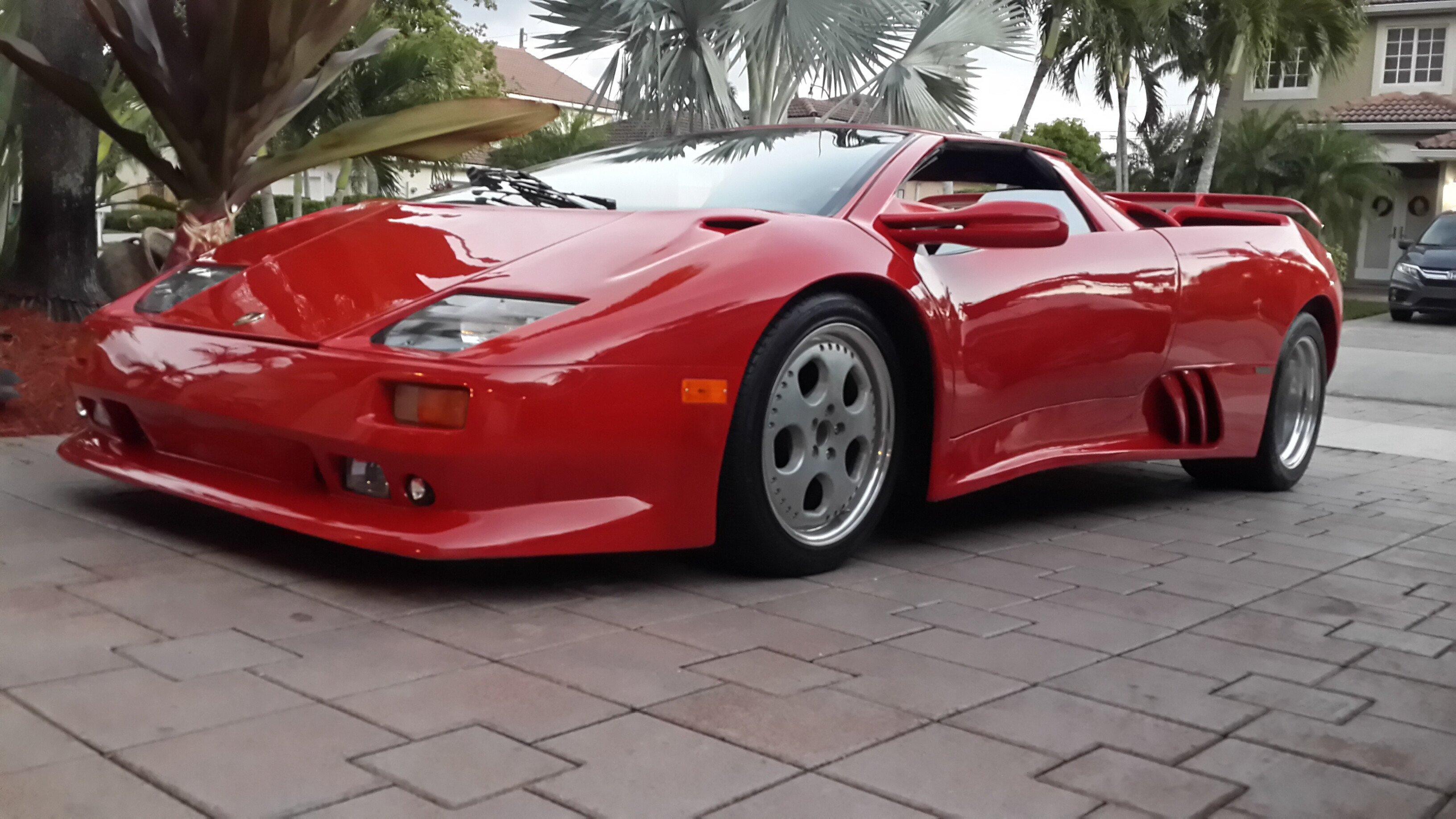 Show Me A Lamborghini Diablo