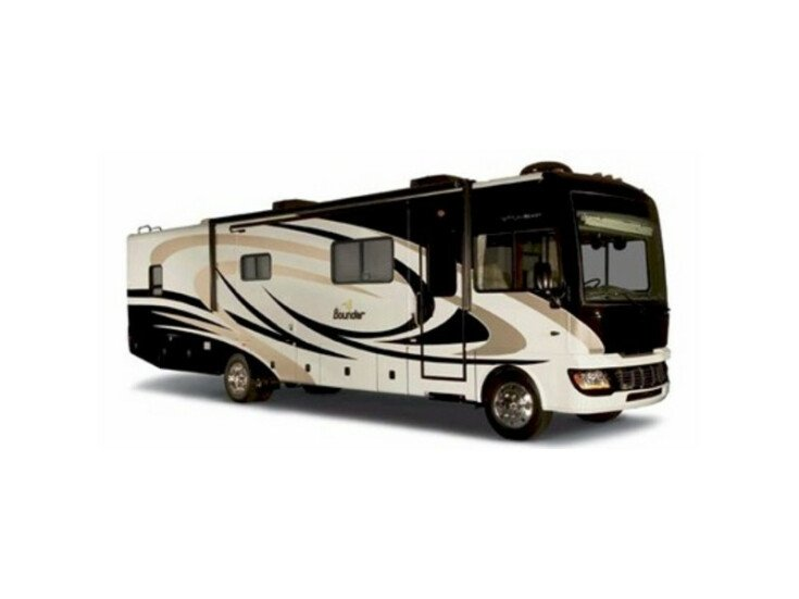2009 Fleetwood Bounder 38P specifications