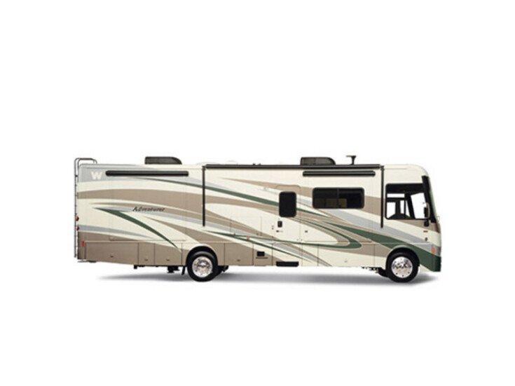 2013 Winnebago Adventurer 32H specifications