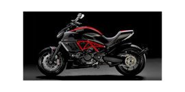 2014 Ducati Diavel Carbon specifications