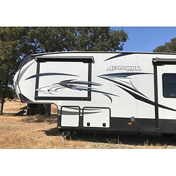 2015 Keystone Avalanche for sale 300174404