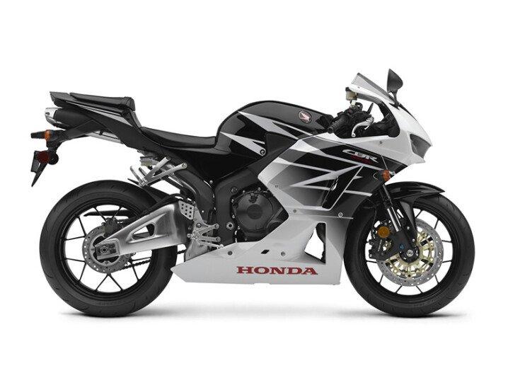 2016 Honda CBR600RR 600RR specifications