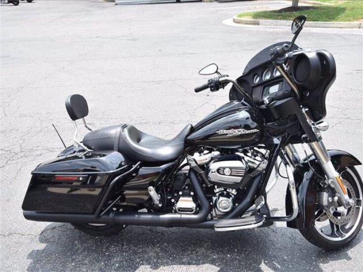 2017 Harley-Davidson Touring for sale 201119853