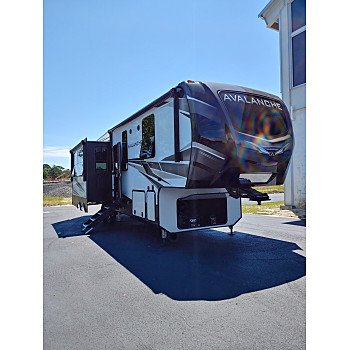2020 Keystone Avalanche for sale 300233600