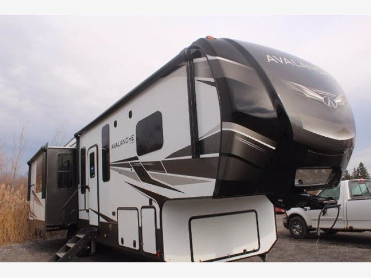 2021 Keystone Avalanche for sale 300284518
