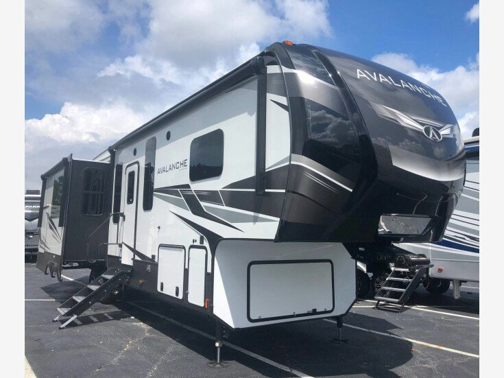 2021 Keystone Avalanche for sale 300319621