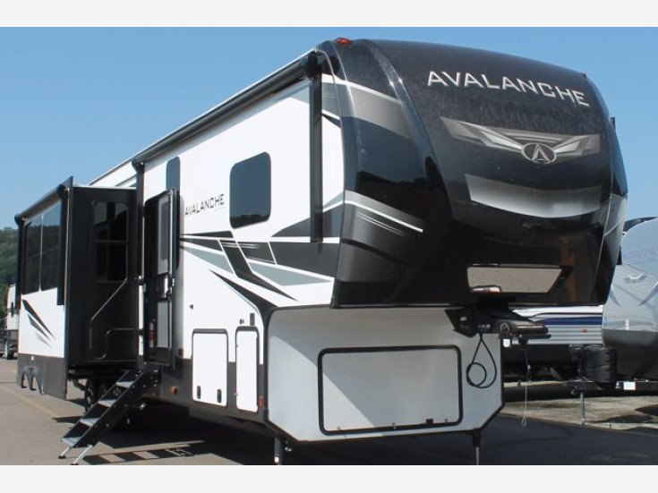 2021 Keystone Avalanche for sale 300328212