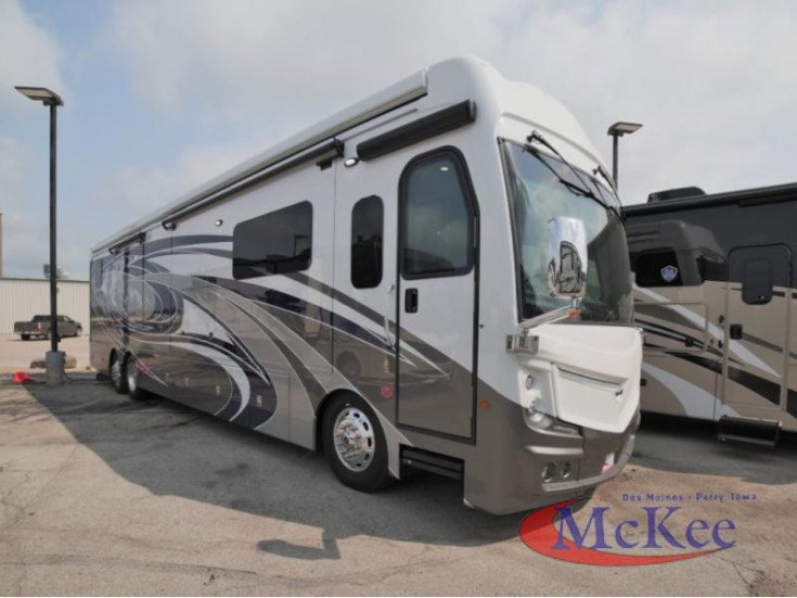 2022 Fleetwood Discovery for sale 300322882