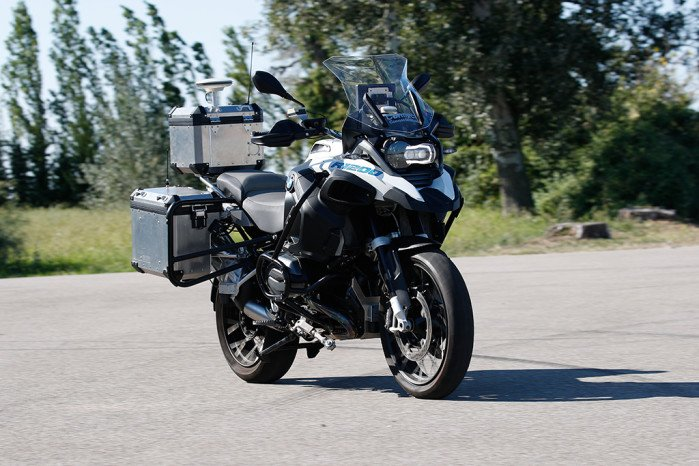 BMW Experiments With Self-Riding Motorcycle