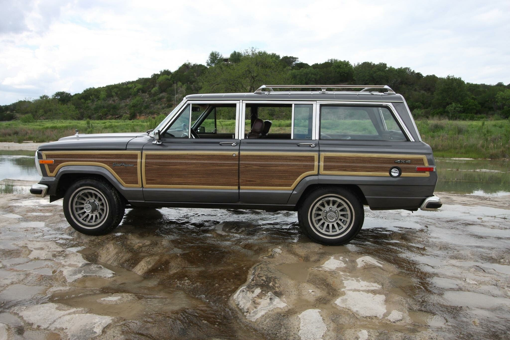 1989 Jeep Grand Wagoneer For Sale Near St Charles Illinois 60175 Classics On Autotrader