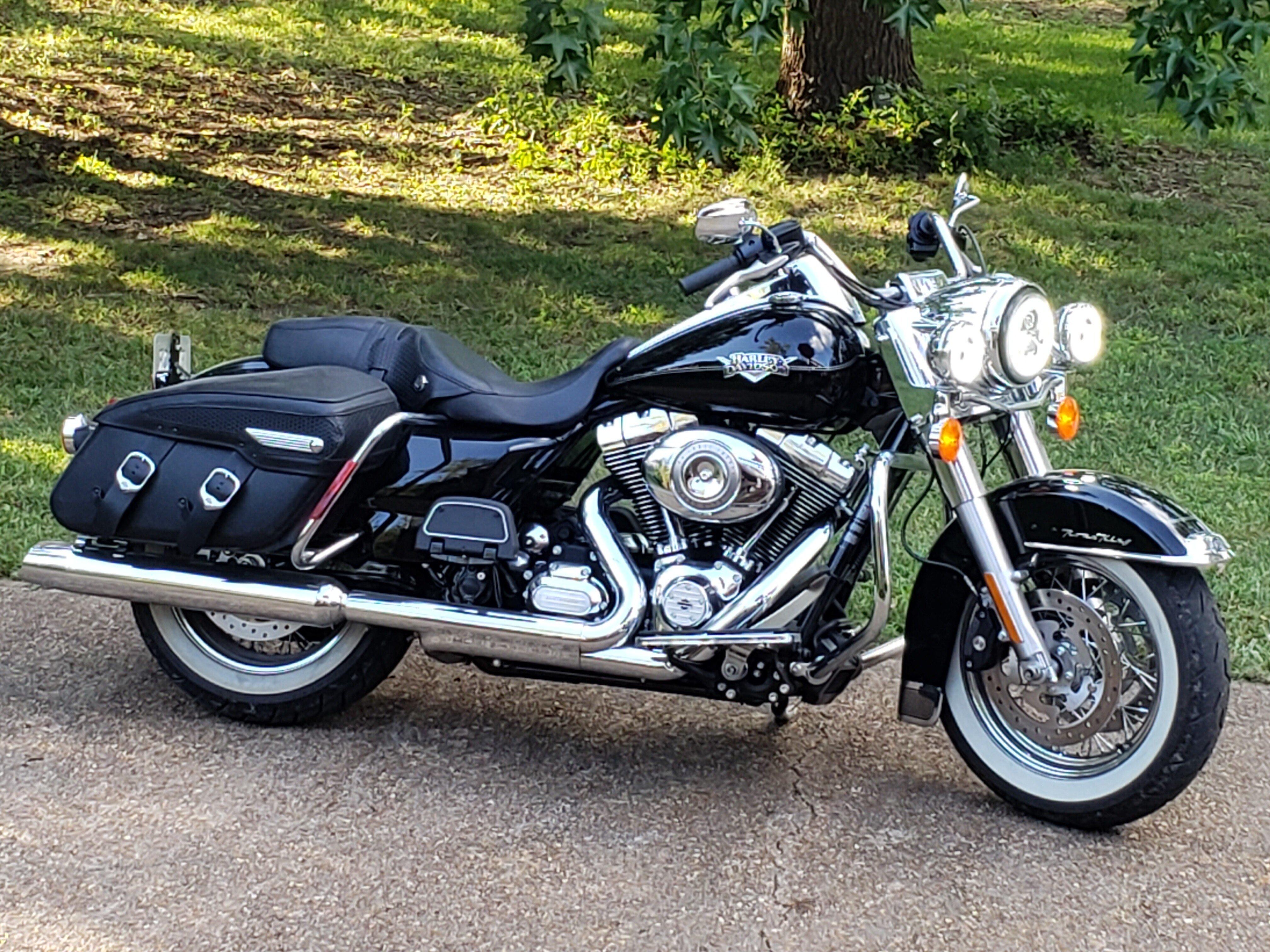 Harley Davidson Road King Classic For Sale Off 64 Www Abrafiltros Org Br